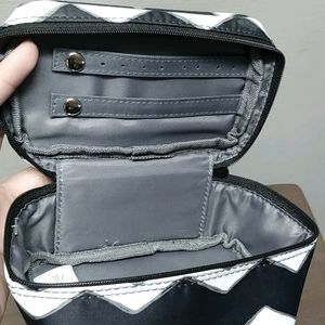3/$20💕 Thirty-one mini jewelry bag organizer